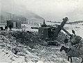 Pelle mécanique utilisée lors de l'excavation à l'usine Price à Riverbend, Alma (Québec).jpg