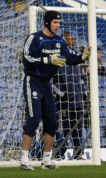 Petr Cech successfully kept the Catalans out of his goal at the Stamford Bridge on Wednesday, giving Chelsea everything to play for when they visit the Nou Camp next week (John Dobson/Wikimedia Commons)