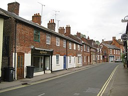 Pewsey, The High Street - geograph.org.uk - 1400395.jpg