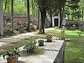 Piccolo cimitero di campagna (Palazzo Bovarino) - panoramio.jpg