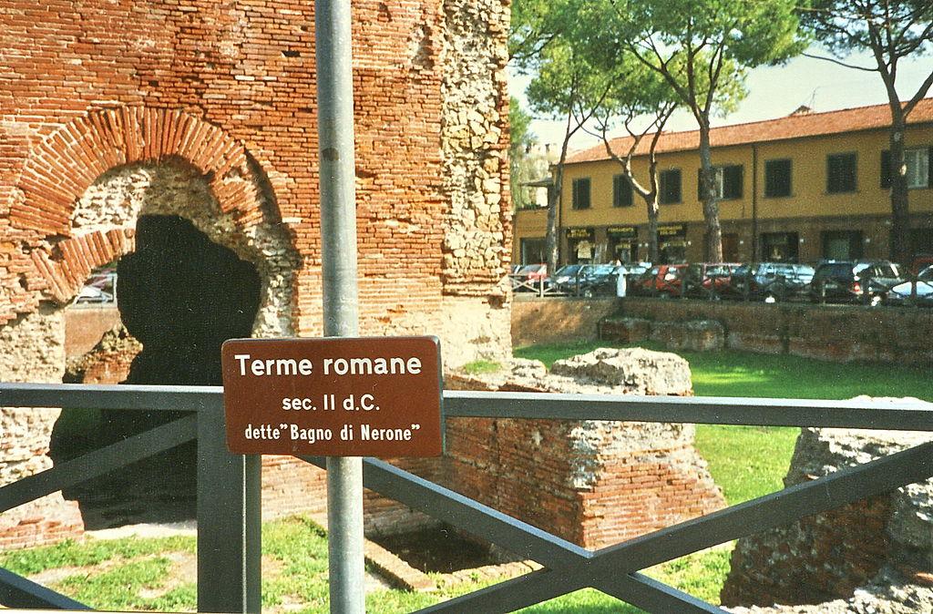 File:Pisa, römische Thermen, Bagno di Nerone (01).jpg - Wikimedia Commons