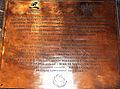 Placa conmemorativa de bronce en recuerdo de la Expedición Magallanes-Elcano (Catedral de Sevilla).JPG