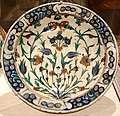 Plate with floral decoration, Turkey, Iznik, Ottoman, 16th-17th century AD, ceramic with underglaze painting - Princeton University Art Museum - DSC06854.jpg