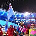 Porta-bandeira de -Tuvalu na abertura da -rio2016 (28882641955) 2.jpg
