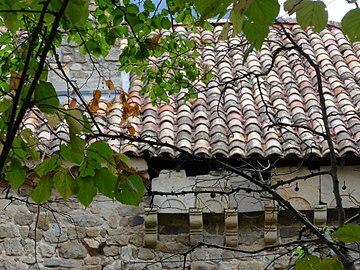 Prades, Ardèche, France. Chateau de Montseveny 04.jpg