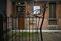 Primo quartiere popolare via Solari Lato sinistro del cancello di ingresso.jpg