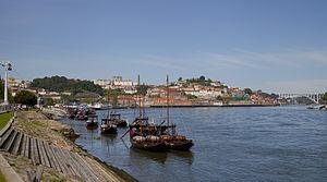 Rabelos en el río Duero, Vila Nova de Gaia, Portugal, 2012-05-09, DD 04.JPG