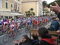 Radrennen Mailand-San Remo 2004.jpg