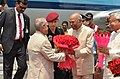 Ram Nath Kovind welcoming Pranab Mukherjee at Patna.jpg