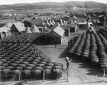 La Logistique dans un conflit 220px-Ravitaillement_fran%C3%A7ais_aux_Dardannelles_1915