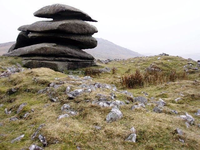 Ring Cairn at Showery Tor - geograph.org.uk - 116957