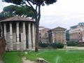 Roma - Tempio di Ercole e di Portunus.JPG