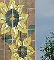 Rostock-Lichtenhagen Sonnenblumenhaus (cropped).jpg