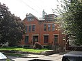 Rowhouses with setbacks (4762490307).jpg