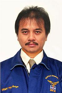 Roy Suryo - Wikipedia bahasa Indonesia, ensiklopedia bebas