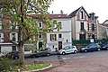 Rue Gardenat-Lapostol, Suresnes.jpg