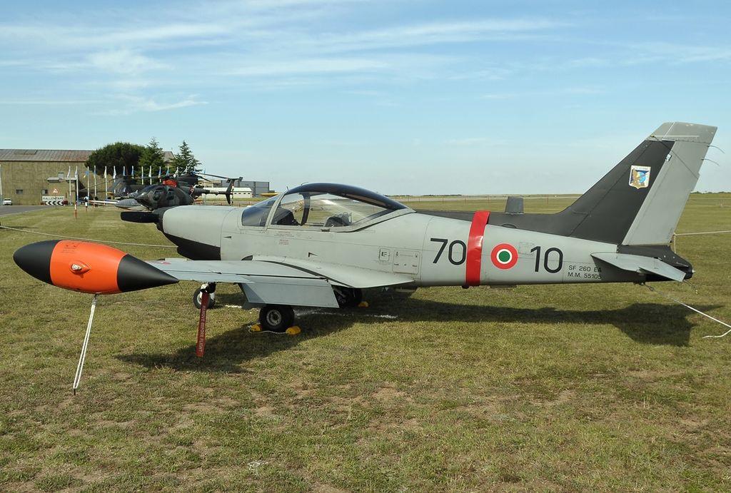 SIAI-Marchetti SF260EA, Italy - Air Force JP7395571.jpg
