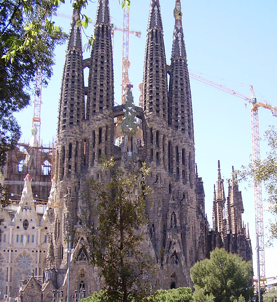 File:Sacred family' church of Barcelona 2.jpg