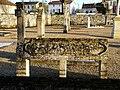 Saint-Pierre-d'Exideuil cimetière tombes (1).JPG