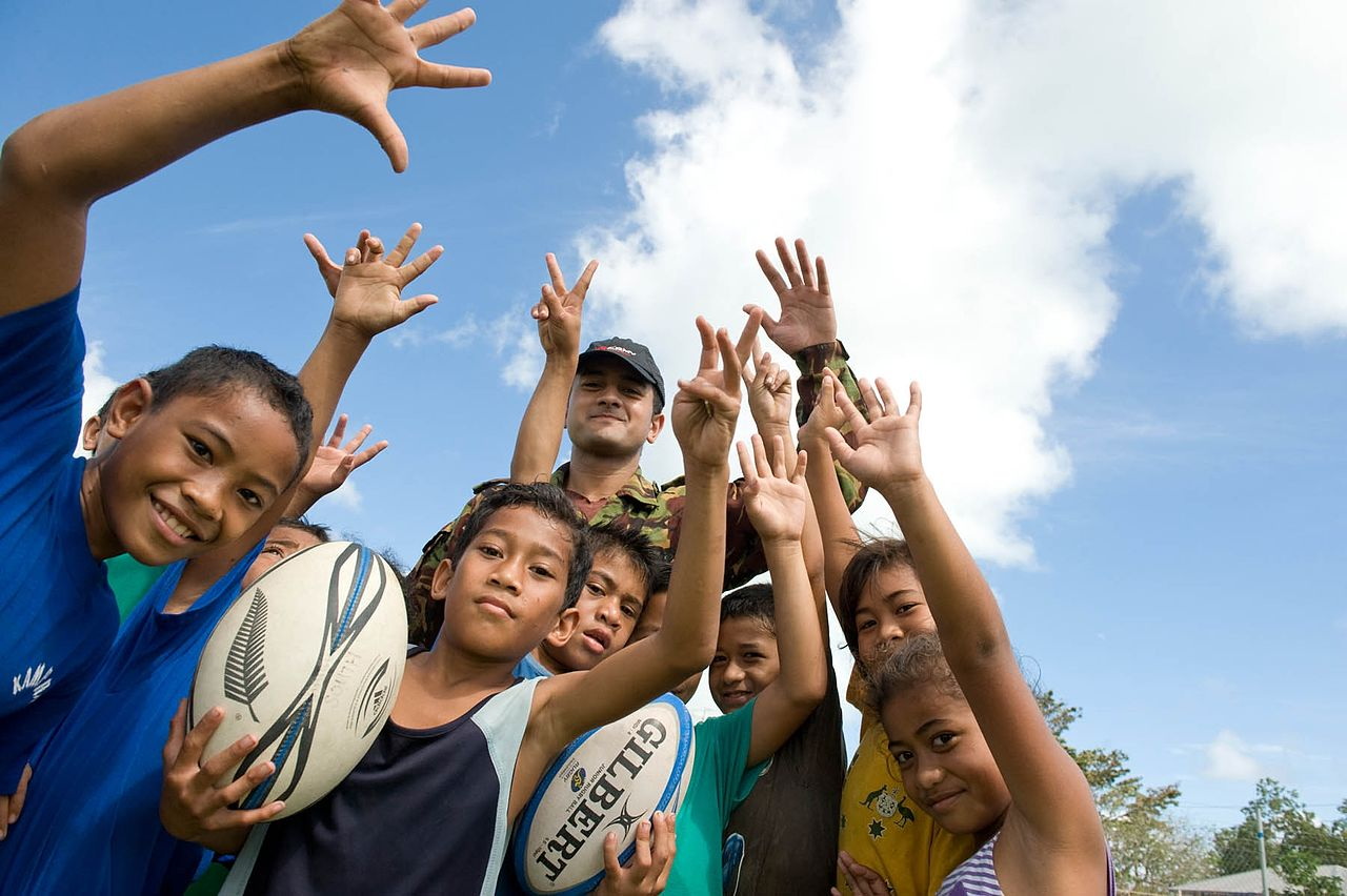 File Samoan Kids Are All Smiles After Receiving Rugby Balls From The Nz Army Flickr Nz Defence Force Jpg Wikimedia Commons