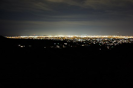 The view of the phoenix metro area and its light clutter and pollution from the top
