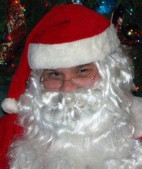 e4fc867d9 A típica barba branca do Papai Noel (Pai Natal).