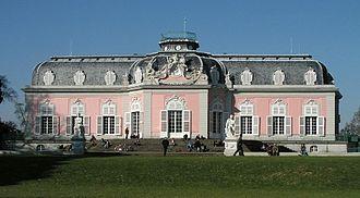 Schloss Benrath - Back view of the corps de logis of Schloss Benrath