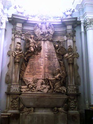 Sant'Angelo a Nilo - A Baroque tomb in the interior.