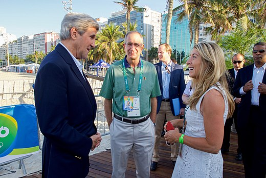 Secretary Kerry Chats With Comcast Chairman Brian Roberts and NBC News President Deborah Turness (28772462366).jpg
