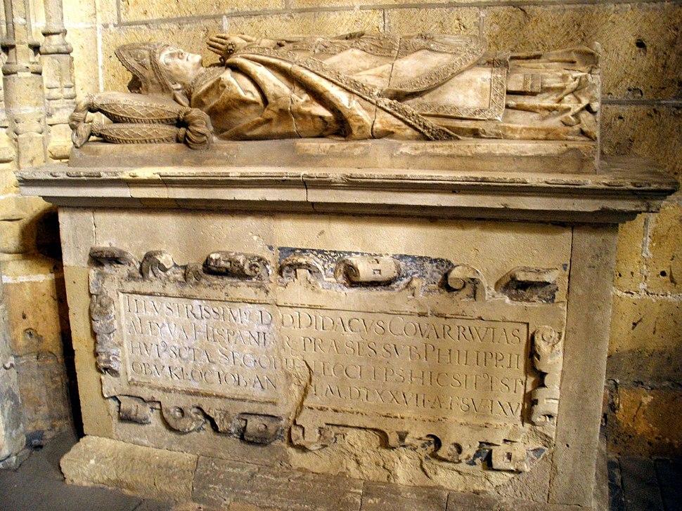 Segovia - Catedral, Capilla del Cristo del Consuelo 11-Sepulcro del Obispo Diego de Covarrubias