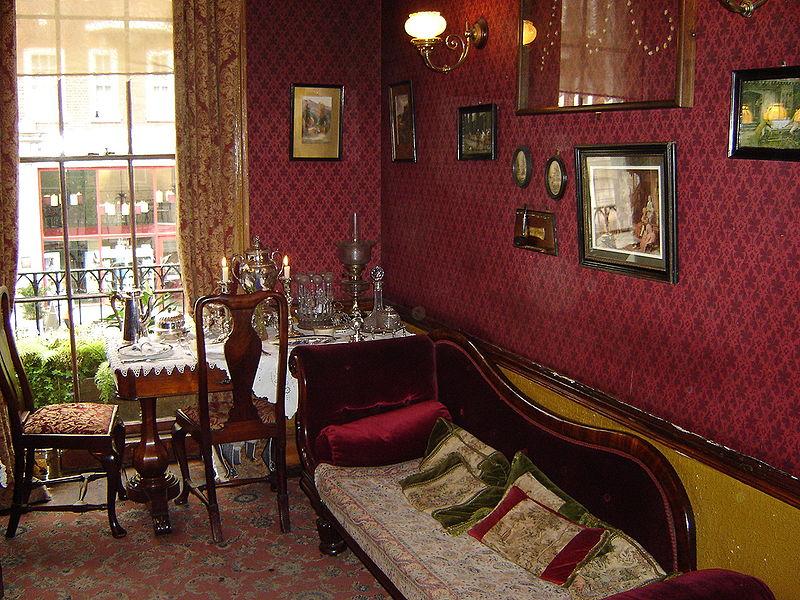 File:Sherlock Holmes Museum - Sitting Room - London England.jpg