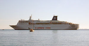 Atlantic Star (cruise ship) - Image: Sky Wonder Villefranche