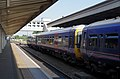 Slough railway station MMB 13 165103 165134.jpg
