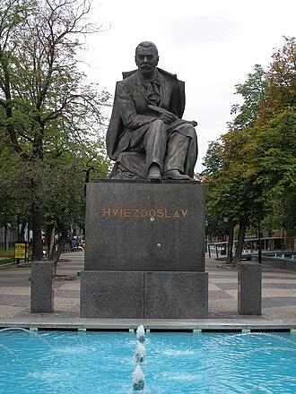 Hviezdoslavovo námestie (Bratislava) - Statue of Hviezdoslav
