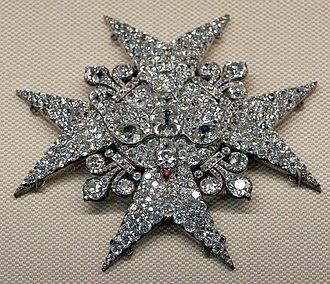 Order of the Holy Spirit - Image: Spilla dell'ordine di santo spirito donata da luigi XV a filippo o ferdinando di parma, 1750 ca, daiamanti, rubino, oro e argento