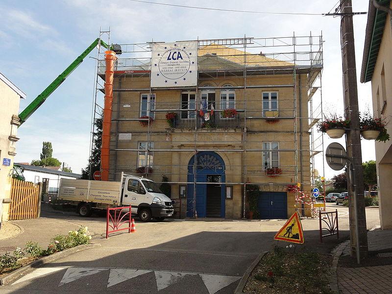 Spincourt (Meuse) mairie en renovation