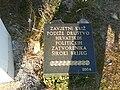 Spomen ploča-zavjetni križ-utvrda-ŠB.jpg