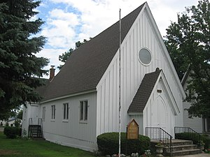 St. Paul's Episcopal Church in Hicksville, angle.jpg