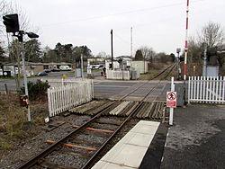 Station Road level crossing, Ammanford - geograph.org.uk - 4483656.jpg