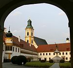 Stift Reichersberg 01.jpg