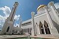Sultan Omar Ali Saifuddin Mosque-LR1 (18564371516).jpg