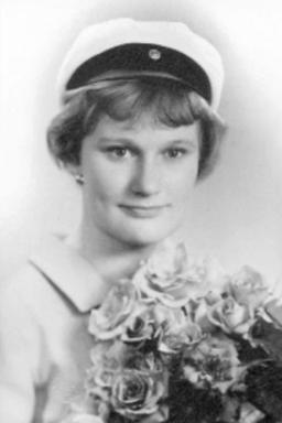 Tarja Halonen graduation photo 1962