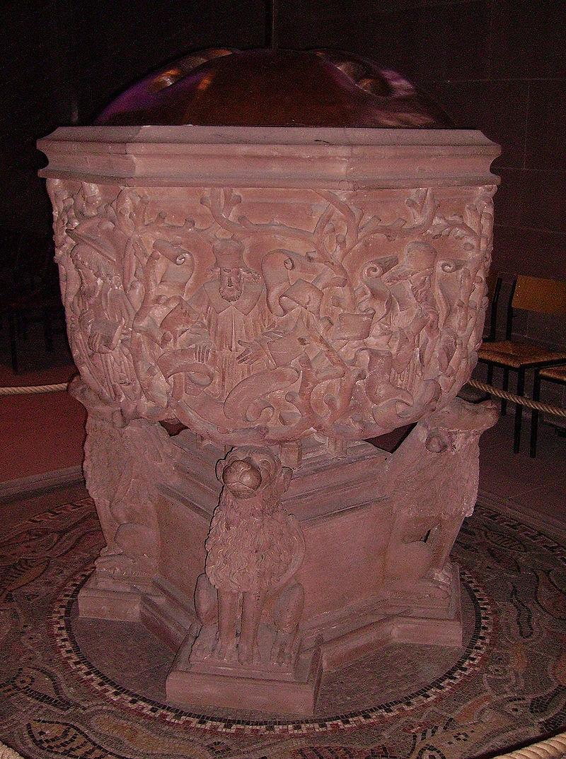 Taufstein Wormser Dom.jpg