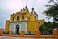 Templo del Sagrado Corazón de Jesús en Montemorelos vista lateral.jpg