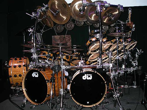 A very large kit played by Terry Bozzio Terry Bozzio drums.jpg