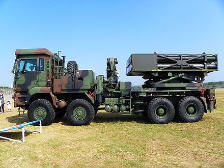 Republic of China Army Thunderbolt-2000 Thunderbolt 2000 MLRS Side View 20111105a.jpg