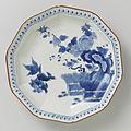 Tienhoekig bord met hekwerk, rotsen, 'shishi', pioenroos en prunus-Rijksmuseum AK-RBK-1972-193-B.jpeg