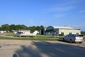 Toledo Suburban Airport - Image: Toledo suburban airport hangar