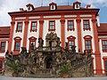 Trojský zámek, vchod se schodištěm ze zámecké zahrady.JPG
