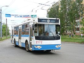 Trolleybus on route 10 (Izhevsk).jpg